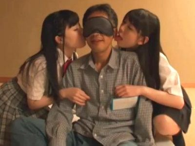 【バスツアー】素人ファンのおっさんが美少女AV女優2人とハーレム3P あおいれな なごみ
