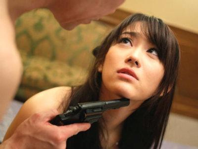 人妻諜報員は夫を狙う。 西野翔