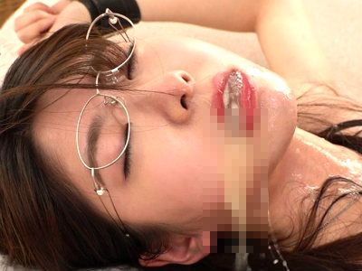 【閲覧注意】真性イラマチオ女※「おヴォぉっっ…!」デカチンを喉奥まで入れられ腰を振られる!まさに口マンコ状態!有坂深雪